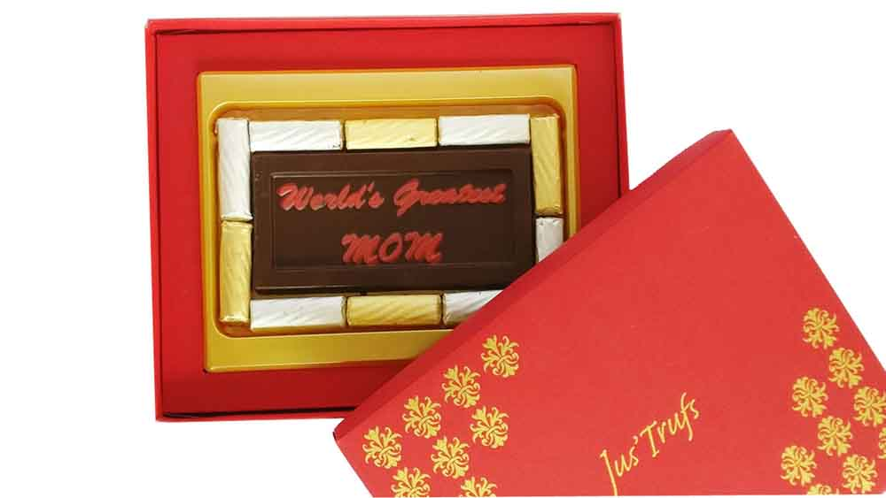 World's Greatest MOM chocolate Bar with Truffles
