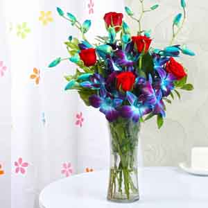 Fresh Flowers-Exotic Glass Vase of Ten Orchids and Roses
