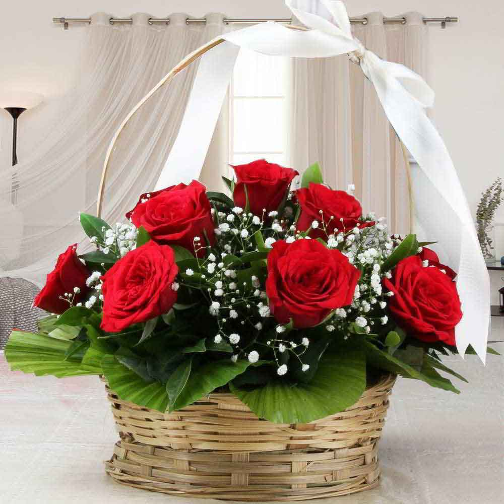 Adorable Arrangement of Red Roses
