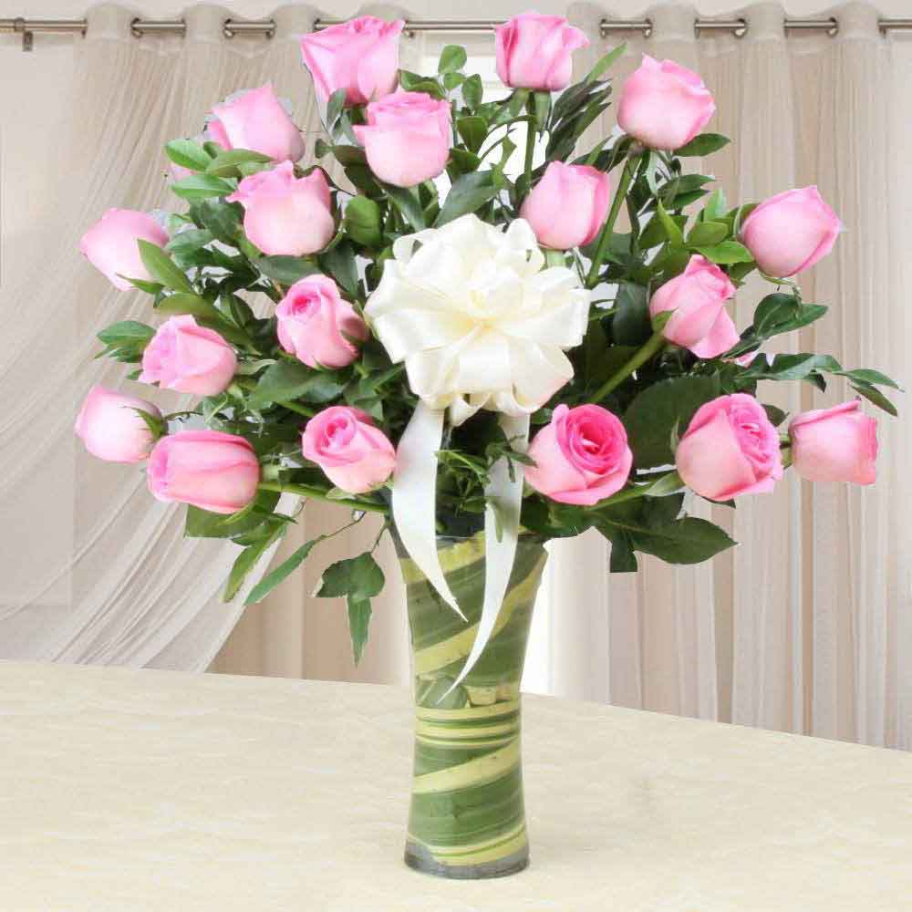Amazing Mothers Day Pink Roses in a Glass Vase