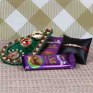 Rakhi Hampers-Attractive Rakhi Puja Hamper