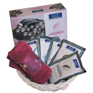 VLCC Precious Pearls Luxury Beauty Care Hamper