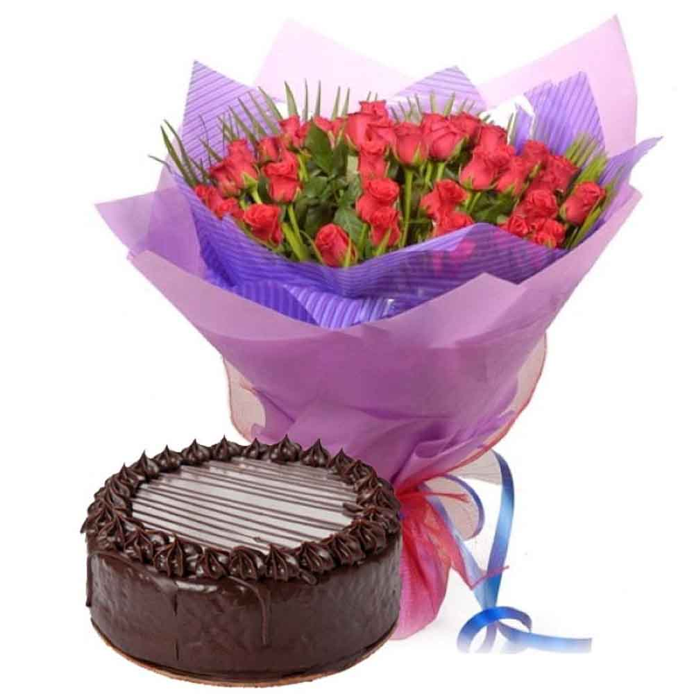 Valentine Roses Bouquet with Chocolate Cake
