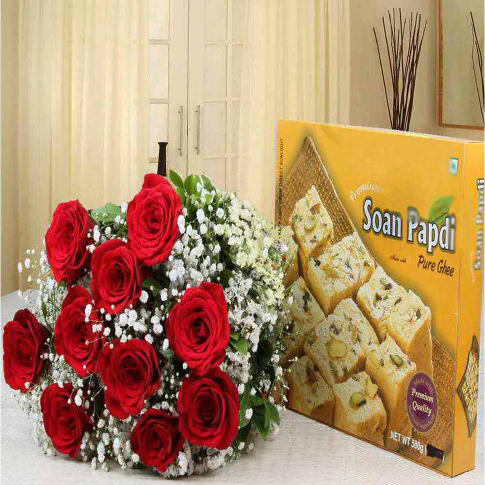 Sweet Love Gift of Soan Papdi and Roses