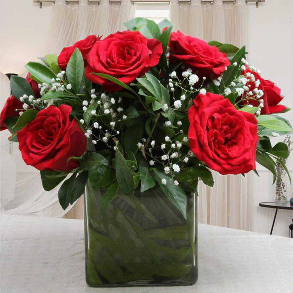 Romantic Ten Red Roses in Glass Vase