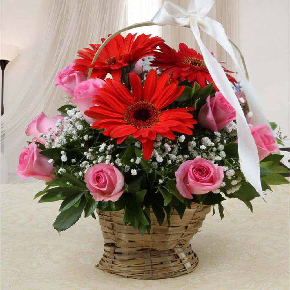 Valentine Special Arrangement of Mix Red and Pink Flowers