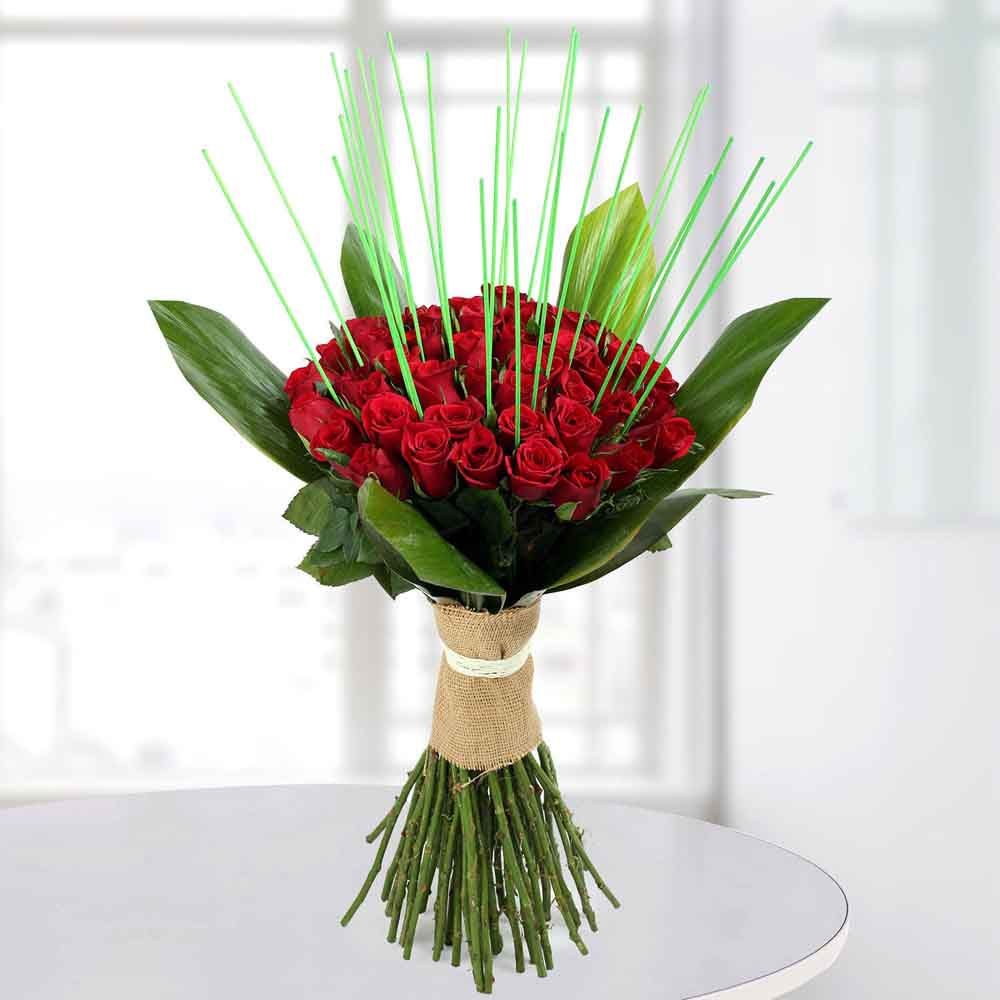 Valentine Roses-Magnificent Red Roses Bunch