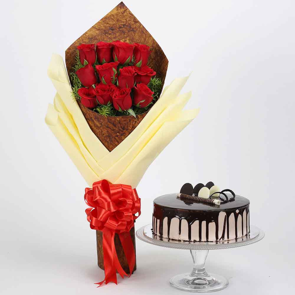 Bouquet of 12 Red Roses & Chocolate Cake