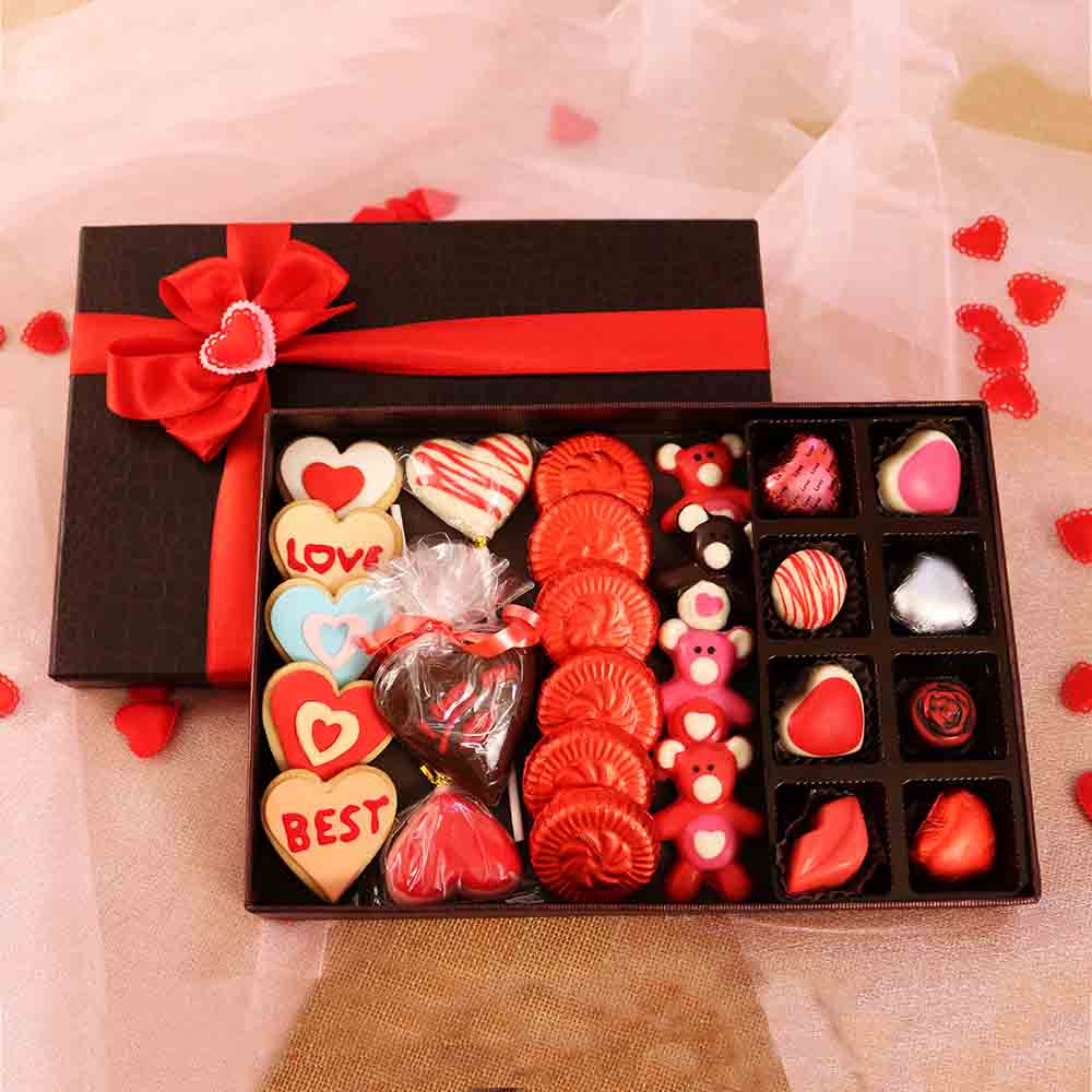 Chocolates-Velvet Fine Chocolates Love for Hamper Box