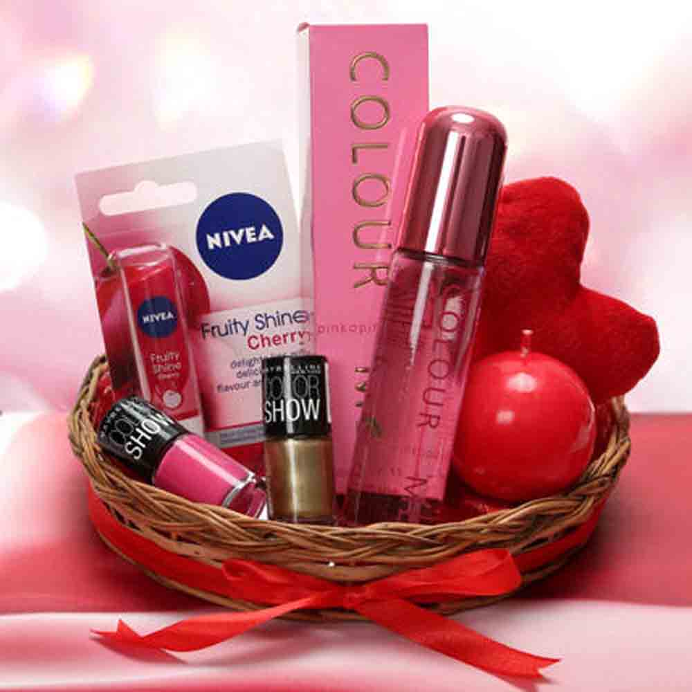 Valentine Hampers-Love Being A Woman