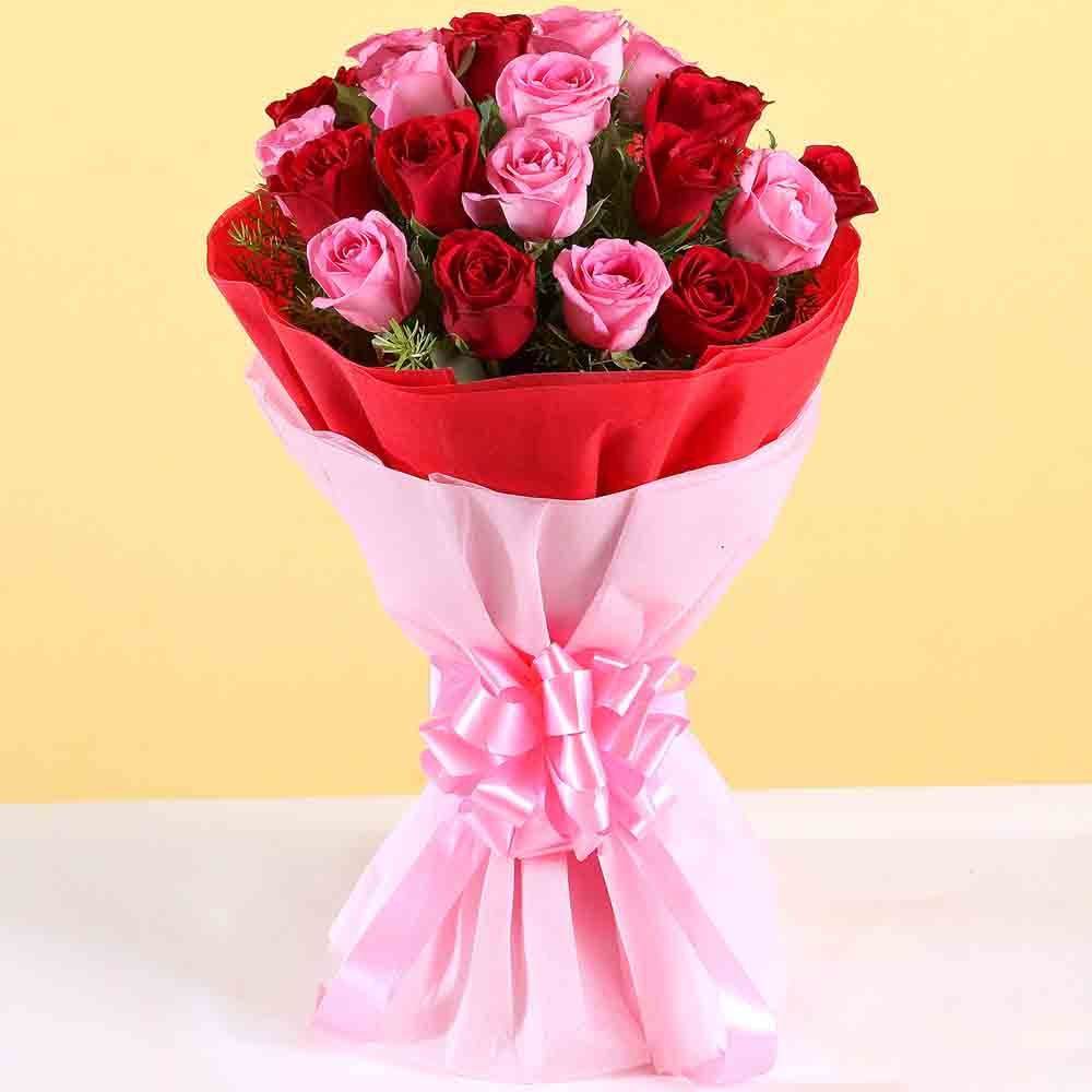 Valentine Roses-Red And Pink Roses Bouquet
