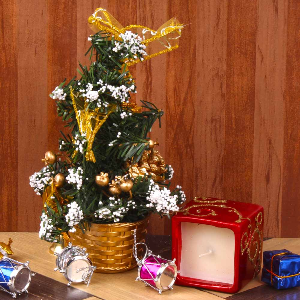 Christmas Decorations-Decorated Christmas Tree with Attractive Square Candle